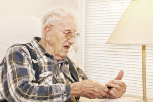 Homecare Ardmore PA: Is a Cell Phone Right For Your Aging Parents?